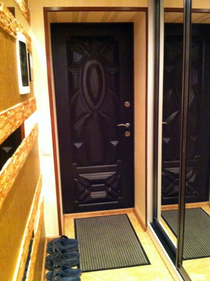 коридор входные двери хрущевке