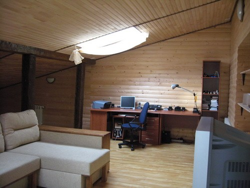 Интерьер комнат на чердаке