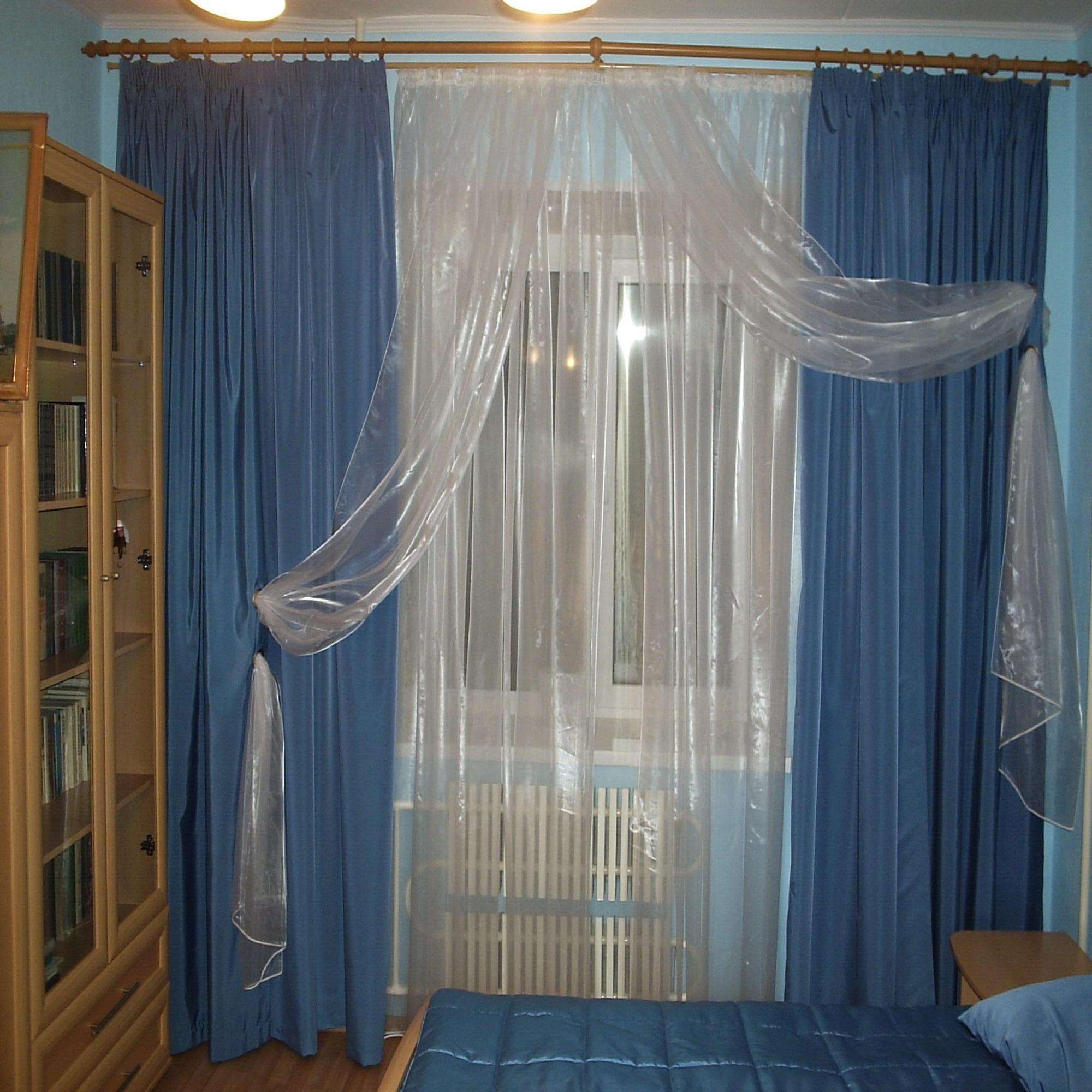 Оформление окон в спальне