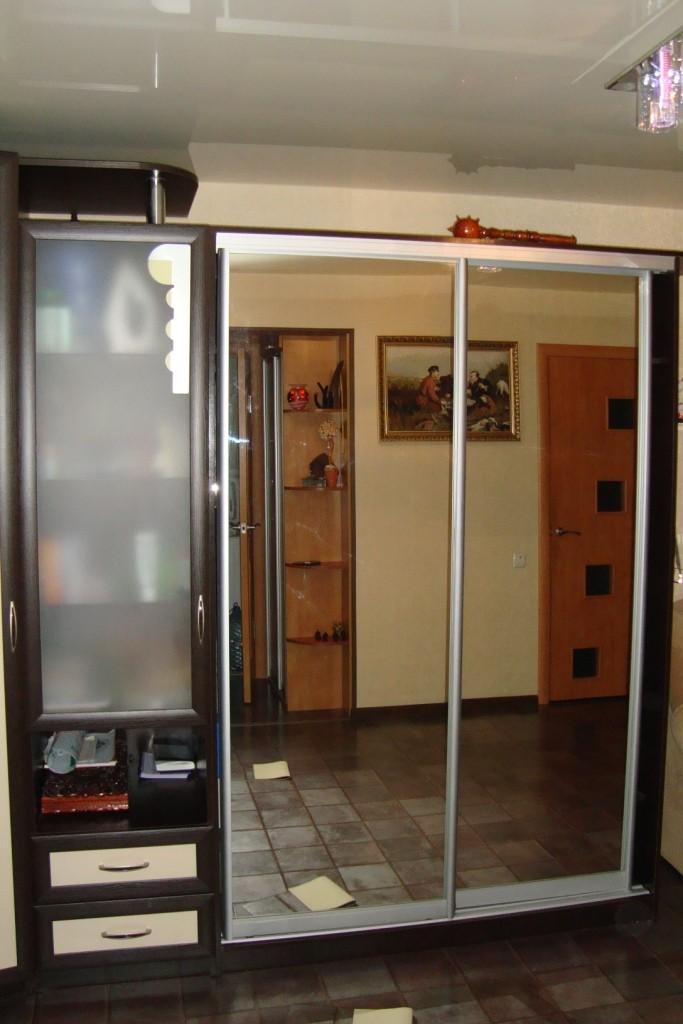 Шкаф в зал