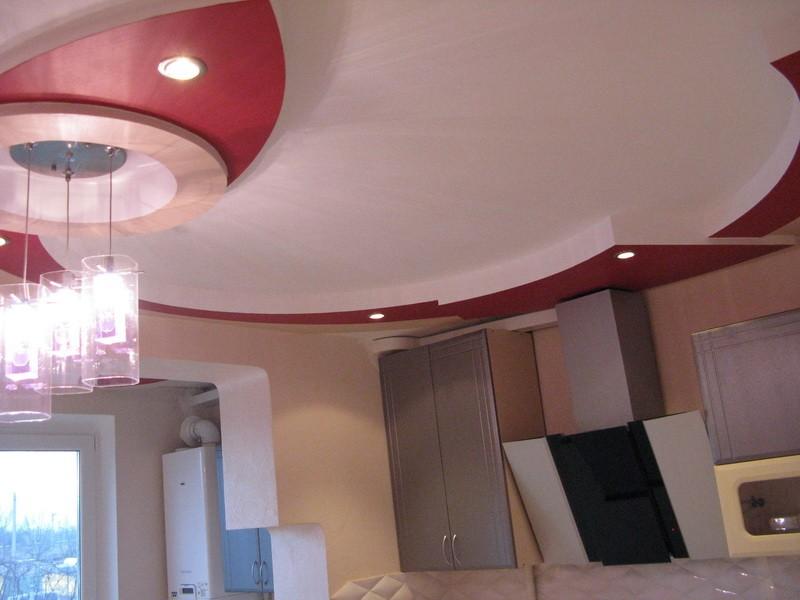 Потолок на кухне интерьер фото
