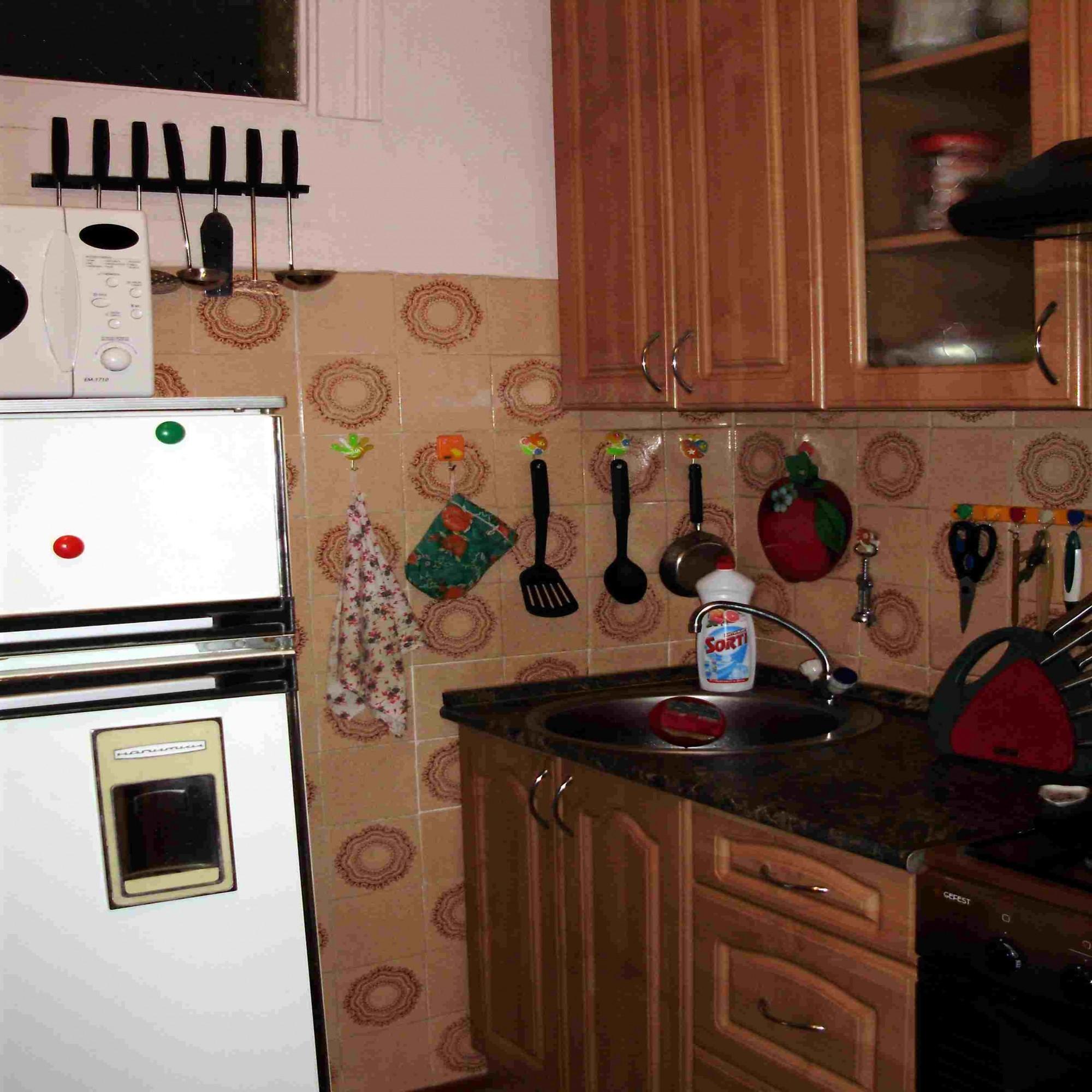 Кухня у нас маленькая всего 5 6 кв м