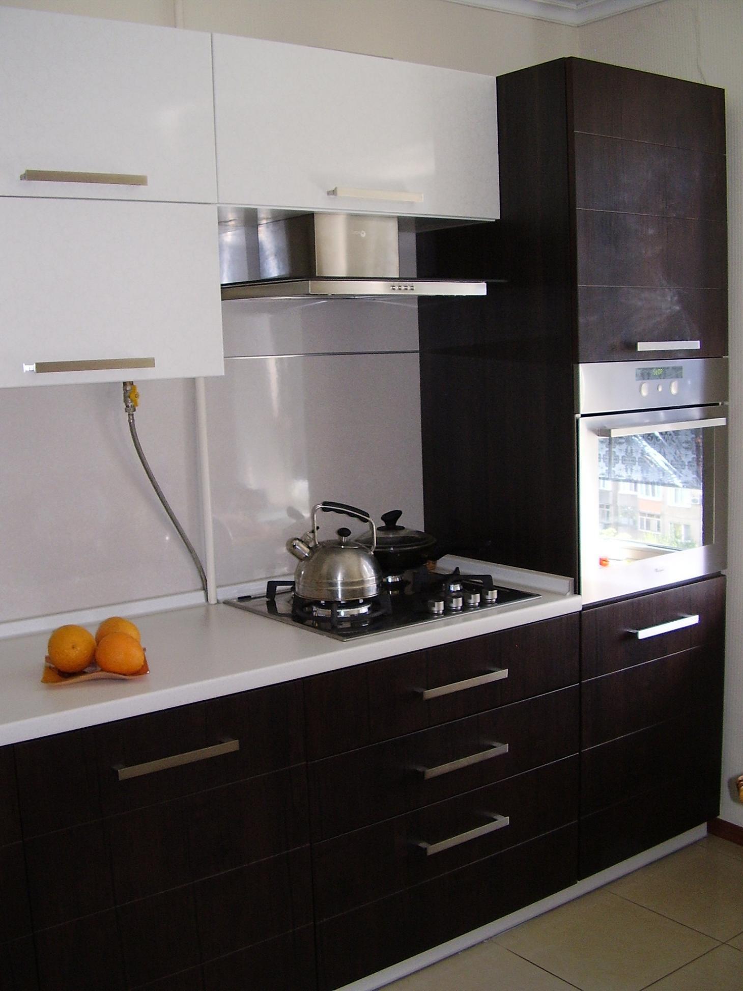 Кухни с духовым шкафом фото