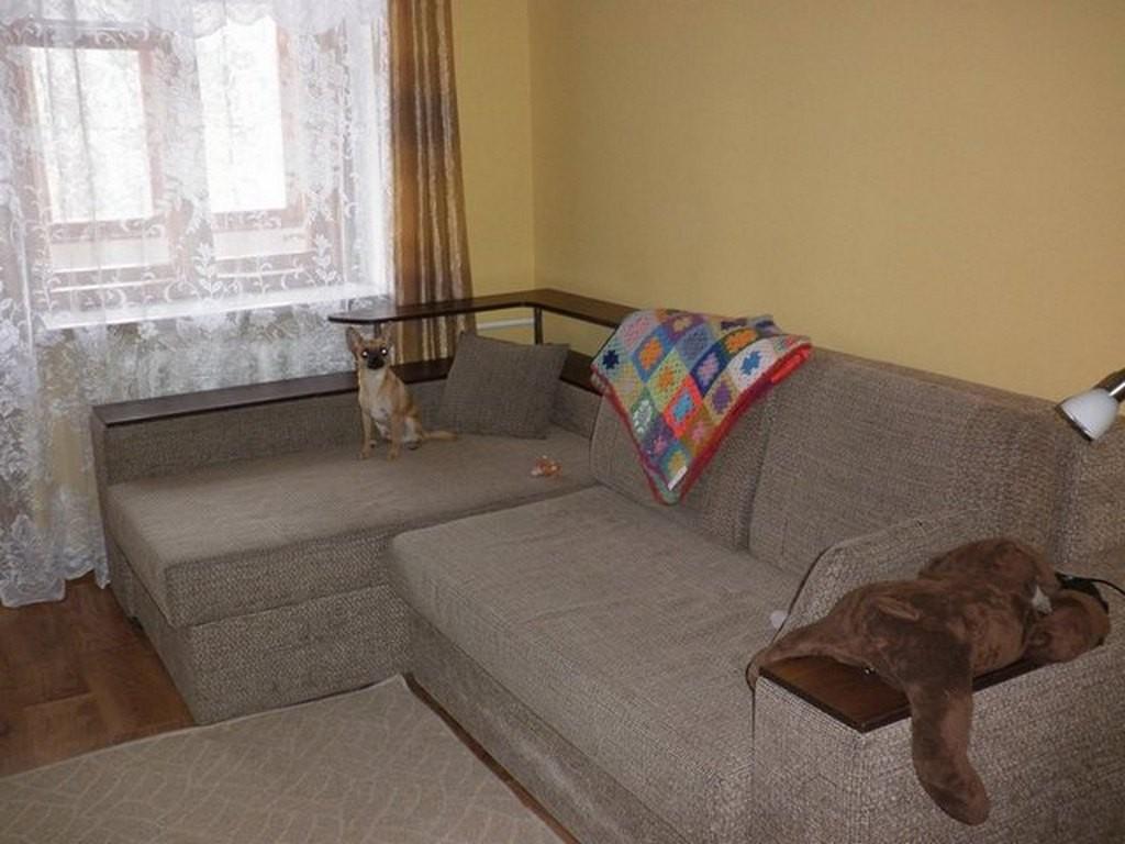 Угловой диван в нем имеется не только