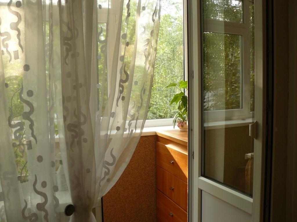 """Выход на балкон """" ремонт в хрущёвке """" интерьер фото """" универ."""