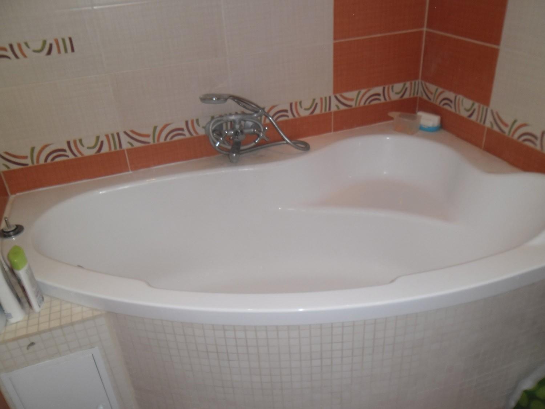 Ванная яркая ванная интерьер