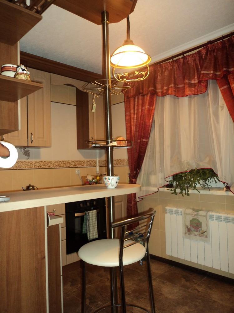 Интерьер кухонного стола фото
