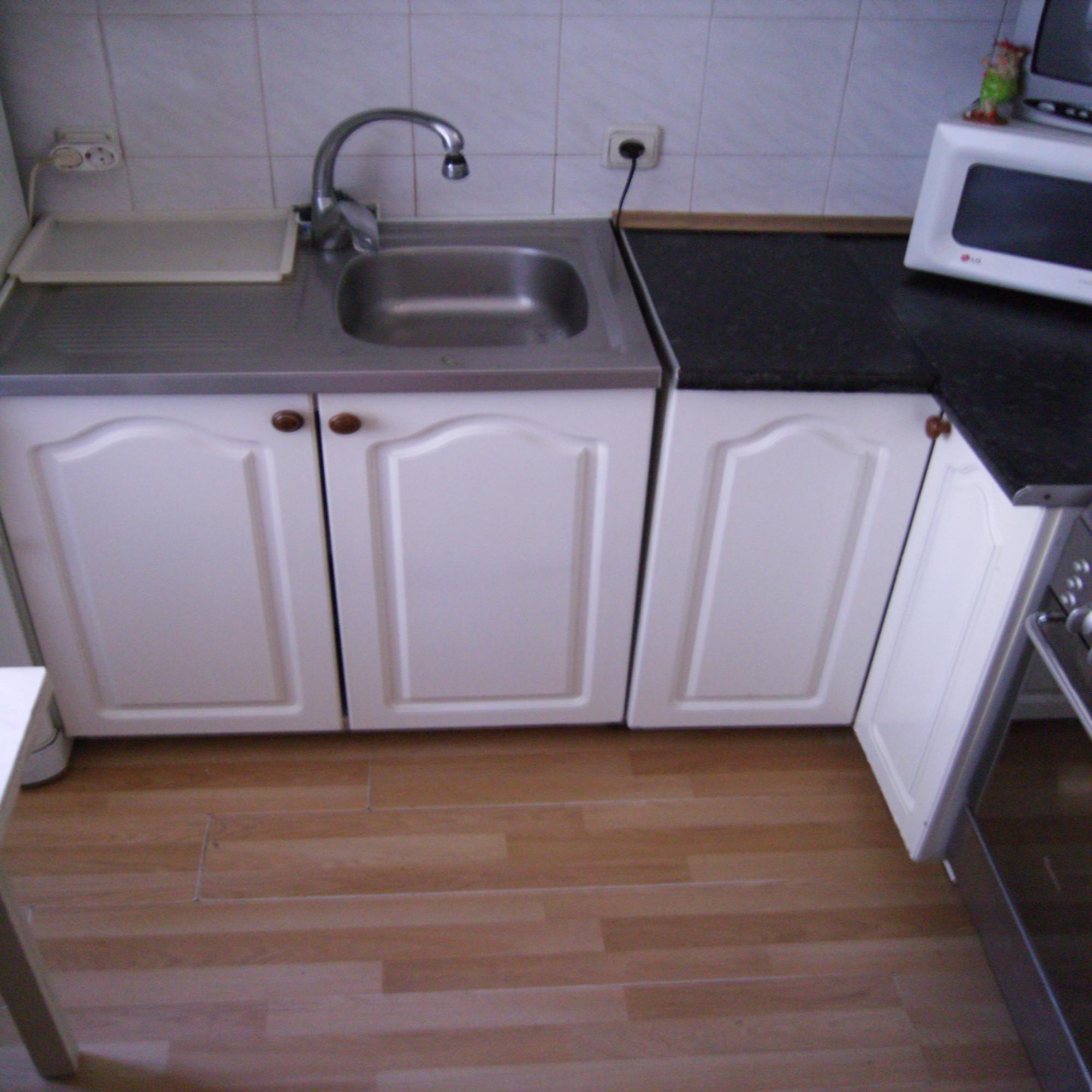 Ламинат кухня малютка интерьер