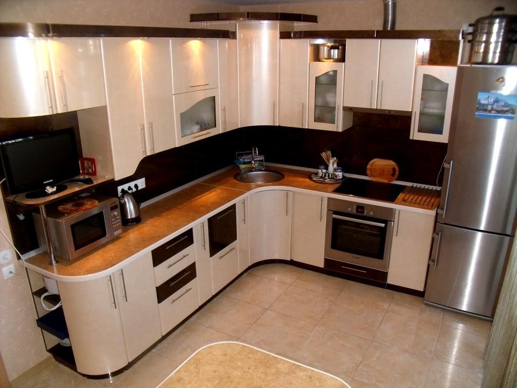 Кухня в светлых тонах фото