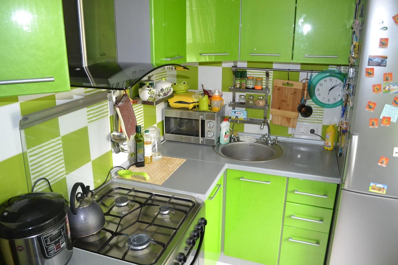 Кухня зеленая интерьер фото