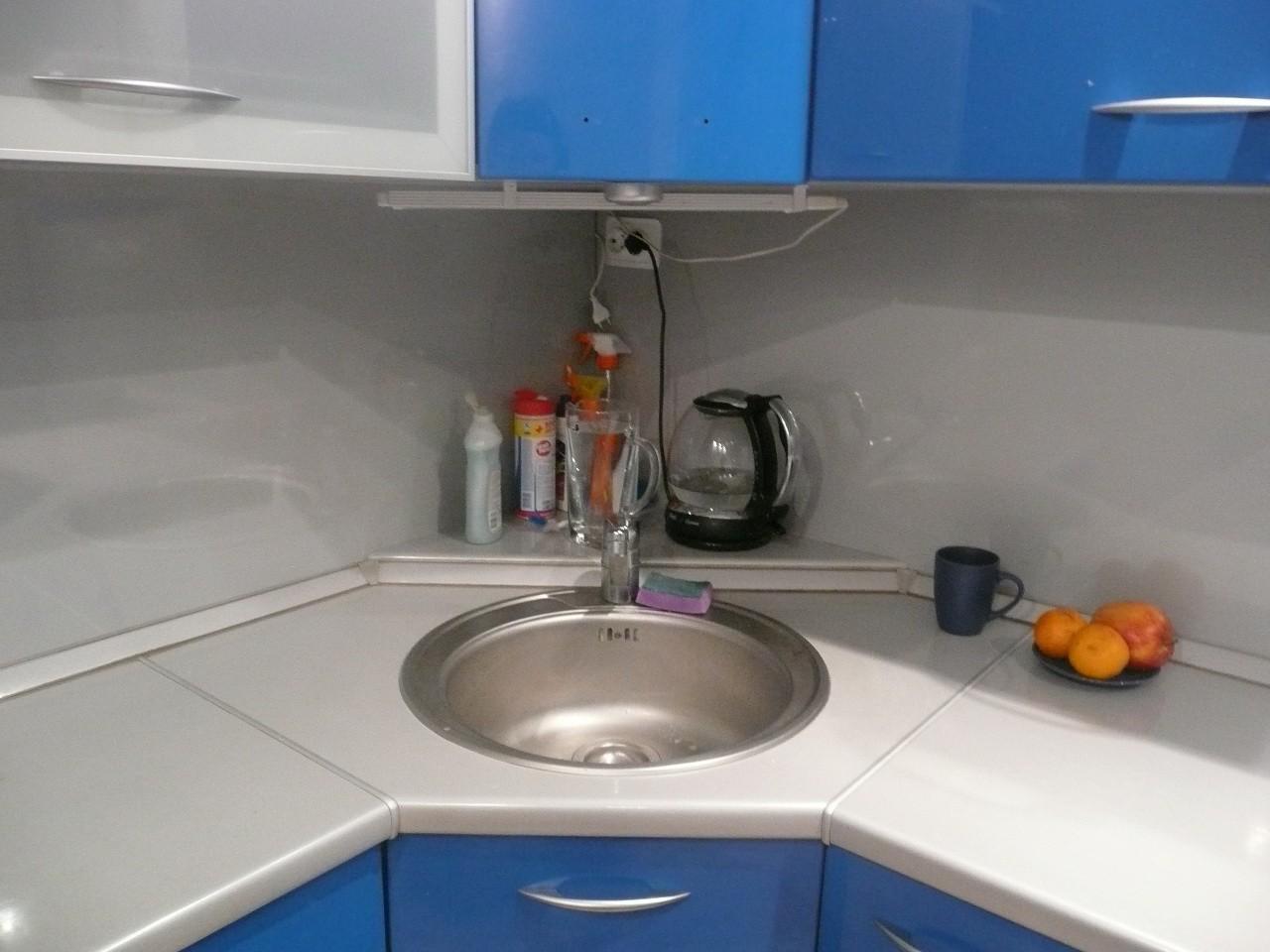 Себя отличное решение с углом кухни