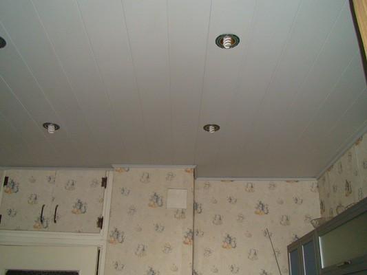 Потолки на кухне своими руками фото