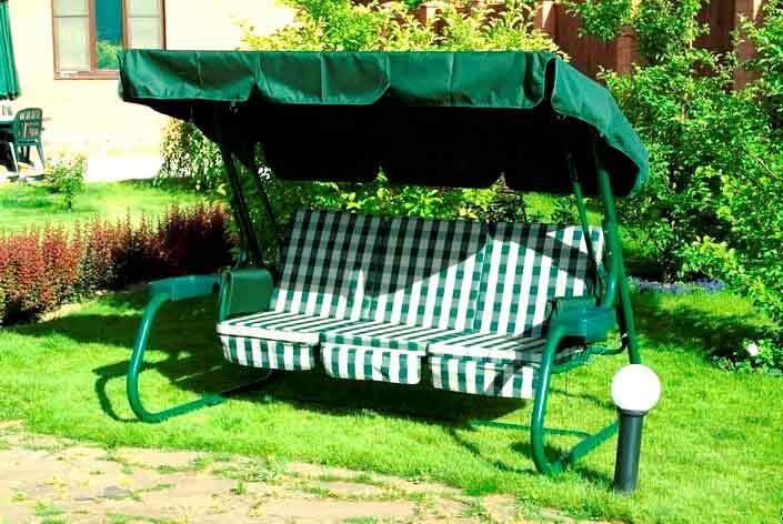 Качели подвесные деревянные для сада.  Автор:Admin.