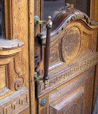 Входные двери в интерьере