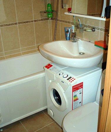 отделка маленькой ванной комнаты фото - Фото ванных комнат - Фотоальбомы - Дизайн ванной комнаты : интерьер фото.
