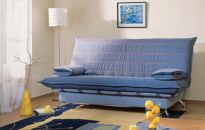 Чехол дивана, выполненный из мебельной джинсовой ткани, создаст модный...