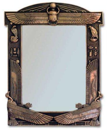С зеркалами связаны сотни и тысячи суеверий.  Испанцы верят, что, подвесив...