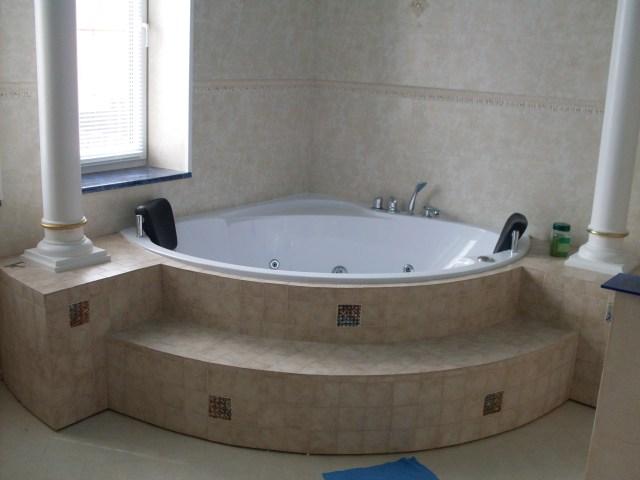 Как сделать пьедестал в ванной своими руками
