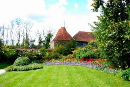 Как оформить сад в английском стиле