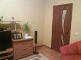 Здесь вы видим выход из зала, дверь тоже вписывается в цветовую гамму зала.