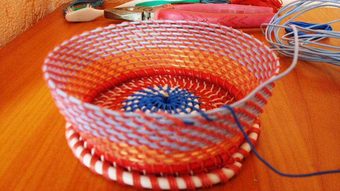 Плетение корзинок из проволоки своими руками 3