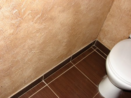Декоративная штукатурка в туалете фото