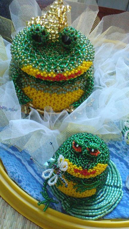 Такие шкатулки украсят интерьер и в них можно хранить и украшения и всякую мелочь. http://uhouse.ru.