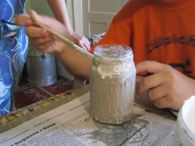 Как сделать стеклянную банку вазой