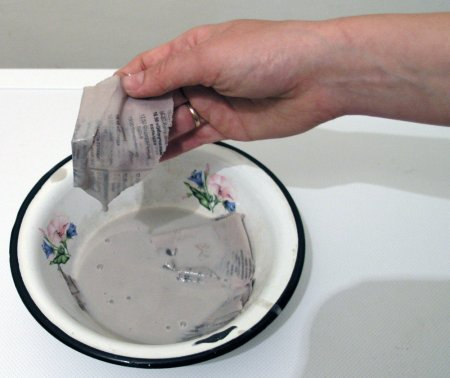 Превращение пластикового ведра в уникальный горшок для цветов