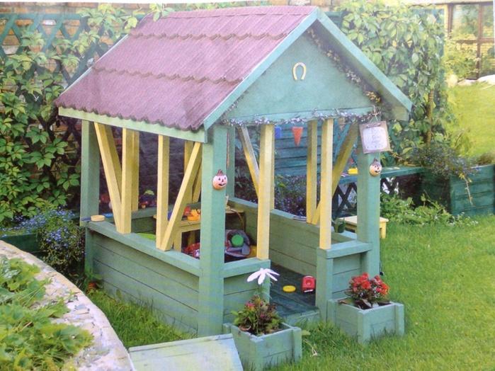 Домики на детских площадках фото