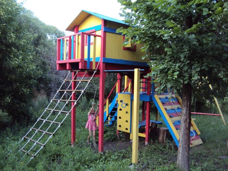 Детская площадка на даче своими руками из подручных материалов фото