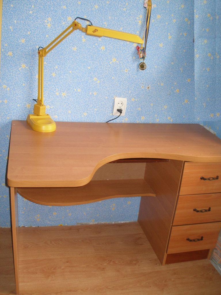 Письменный стол для школьника фото своими руками