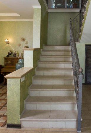 Дизайн дома с лестницей пролетом