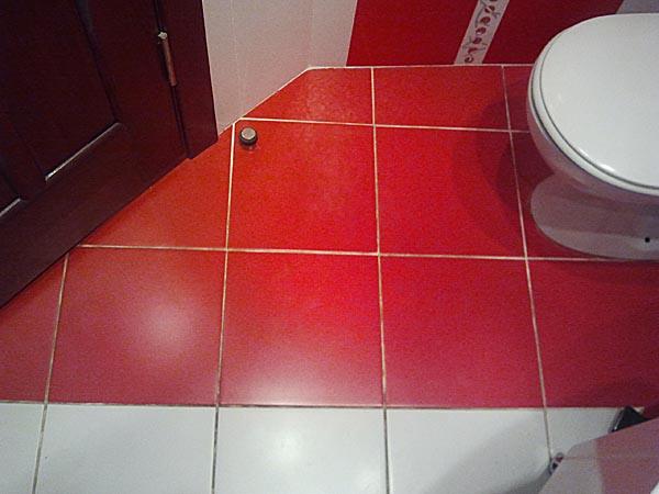 Красно белая ванная фото