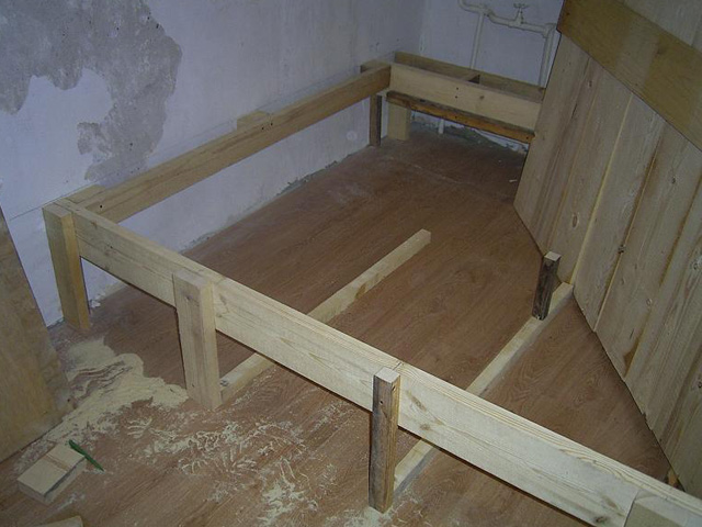 Подиум для кровати из дерева