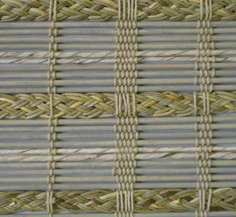 А при нанесении художественных аппликаций...  Бамбуковые шторы могут стать не просто обычным полотнам...