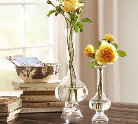 Прозрачные стеклянные вазы в интерьере