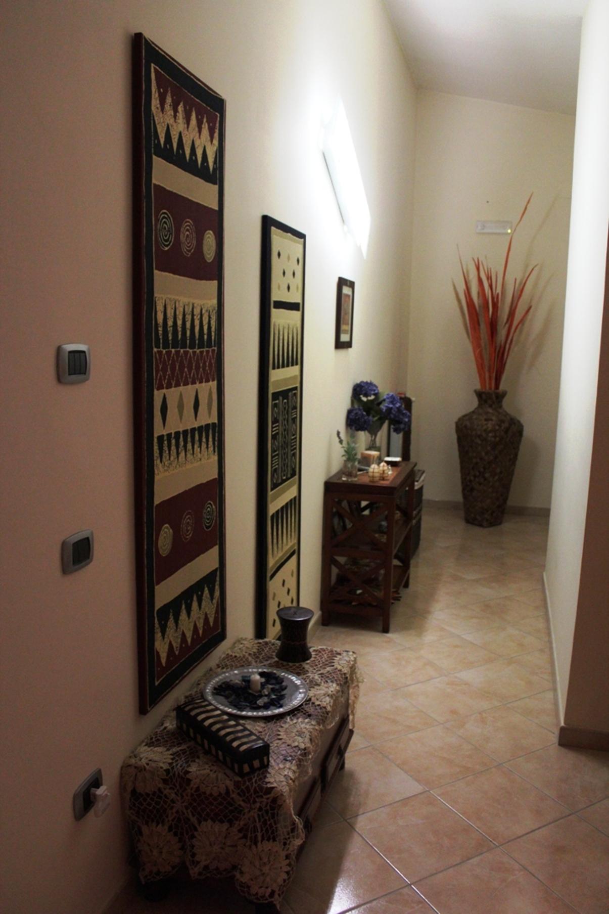 Интерьер маленького коридора фото