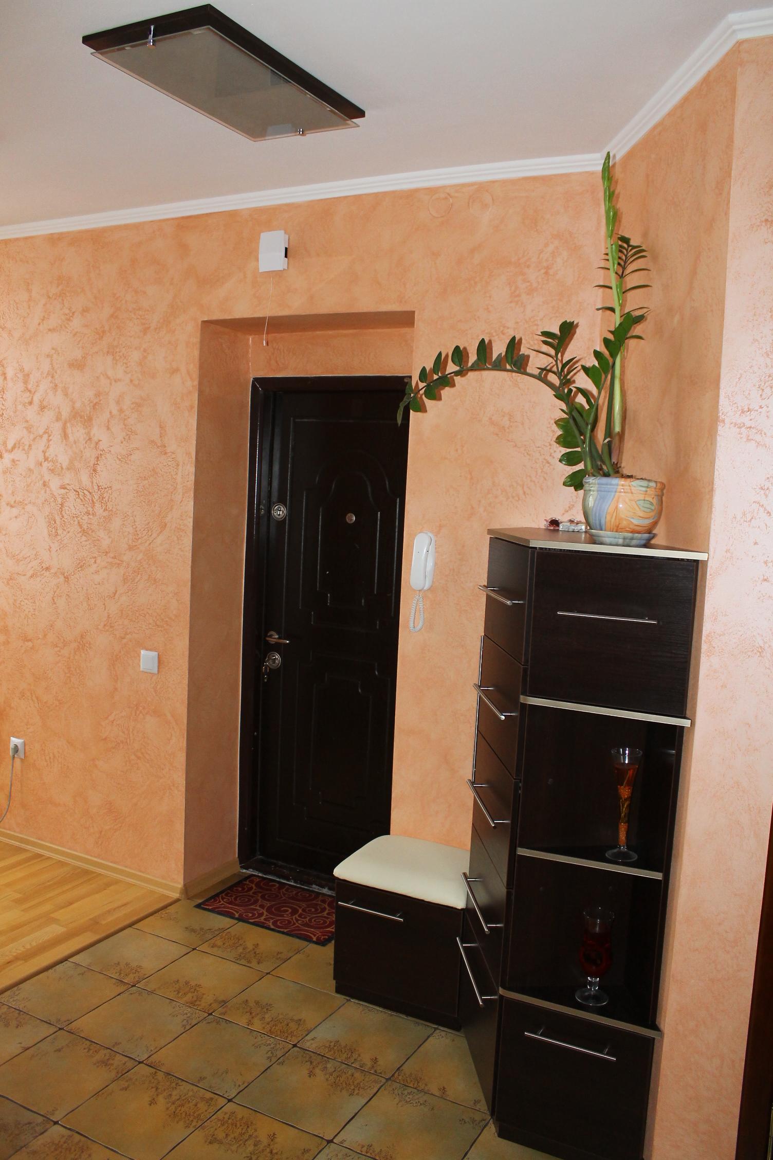 Ремонт коридора в Хрущевке - фото, своими руками 53
