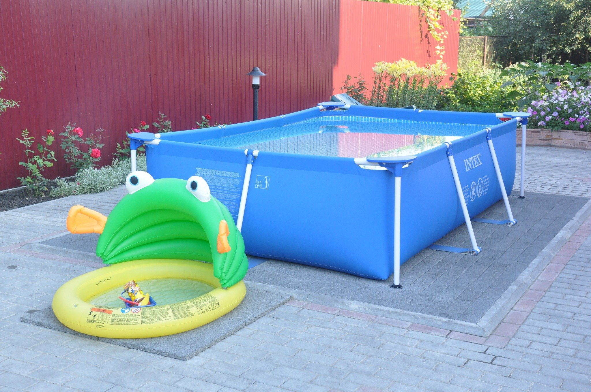 Детская площадка с бассейном своими руками 6