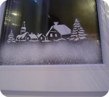 Снежные узоры на окнах